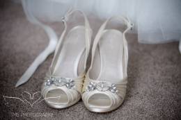 weddingphotography_Staffordshire_DovecliffeHall-10