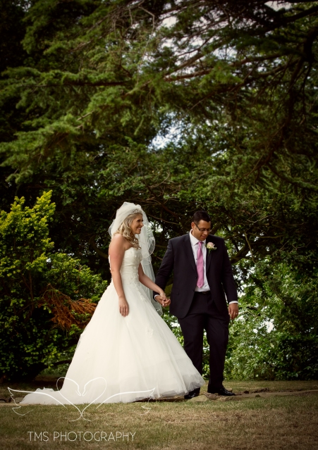 weddingphotography_Staffordshire_DovecliffeHall-138