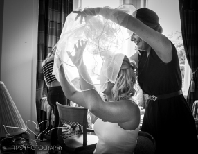 weddingphotography_Staffordshire_DovecliffeHall-14