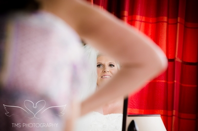 weddingphotography_Staffordshire_DovecliffeHall-29
