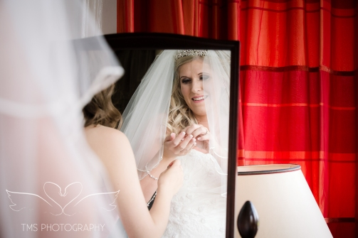 weddingphotography_Staffordshire_DovecliffeHall-43