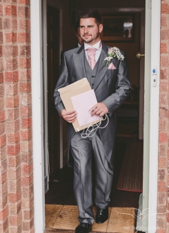 wedding_photographer_leicestershire_royalarmshotel-22