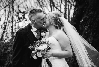 wedding_photography_staffordshire_branstongolfclub_pavilion-101